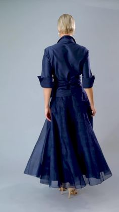 Long Navy Blue pure silk is classic and elegant for the mother of the bride/ groom for a cocktail, beach, boho, country, rustic, garden, formal wedding and rehearsal dinner in Spring/ Summer and Fall/ Winter | Mother of the Bride / Groom Dresses #livingsilk #celebrateinsilk #puresilk #motherofthebridedresses #motherofthegroomdresses #weddingideas #weddings