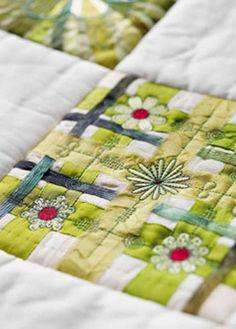 Texture Hoop - Ribbons and Flowers - HUSQVARNA VIKING®