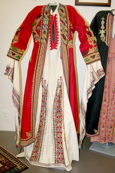 Syrian festive costume. Clothing style: early 20th century.