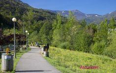 Paseo primaveral por el parque de #Collanzo #Aller #Asturiasdecerca pic.twitter.com/dlAqVkQSv6