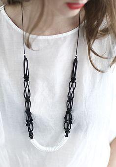 wear me // macramé necklace [ sarah parkes of smalltown . knot . make me . accessories ]