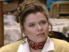 Annette Bening as Katie Craig.