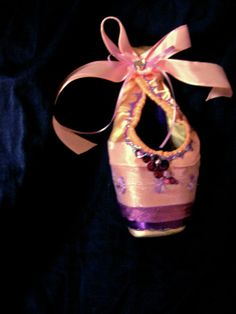 Designed by Erica Johnston - Pointe Shoe Gallery - Pointe Creations (=)