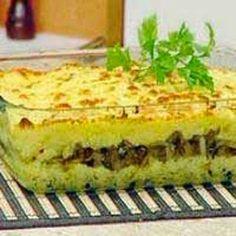 JORNAL O RESUMO - DOMINGO É DA FAMÍLIA Que tal fazer um almoço de domingo com a família e vc surpreender com um super almoço. RECEITAS DA VOVÓ: Torta Madalena de Carne