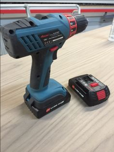 Drill, Couple, Charger, Drill Press, Hole Punch, Drills, Couples, Drill Bit