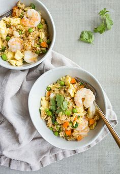 Shrimp fried rice recipe - fried rice with shrimp dinner for two main dis. Pastas Recipes, Rice Recipes, Healthy Dinner Recipes, Seafood Recipes, Baking Recipes, Vegetarian Recipes, Recipies, Tilapia, Sin Gluten