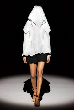 Chalayan Spring 2011 Ready-to-Wear Collection Slideshow on Style.com