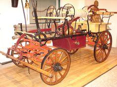 Historická technika-koňská stříkačka - Historická technika-koňská stříkačka
