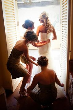 Wedding pictures, getting ready