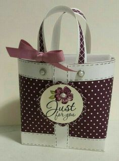 Prodigious Cool Ideas: Small Hand Bags New York hand bags and purses colour.Hand Bags Prada Neiman Marcus hand bags and purses leopard prints. Paper Purse, Paper Gift Bags, Paper Gifts, Purse Tutorial, 3d Paper Crafts, Handmade Bags, Handmade Envelopes, Purses And Bags, Stampin Up