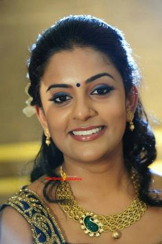 Vani kishore Indian Actress Gallery, South Indian Actress, Beautiful Indian Actress, Beautiful Asian Girls, Beautiful Women, Indian Eyes, Indian Face, Tamil Girls, Glamorous Makeup