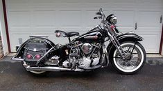 American Built becomes American Art. This Country is already Great. Classic Harley Davidson, Vintage Harley Davidson, Harley Davidson Motorcycles, Vintage Bikes, Vintage Motorcycles, Custom Motorcycles, Custom Baggers, Indian Motorcycles, Rockabilly Cars