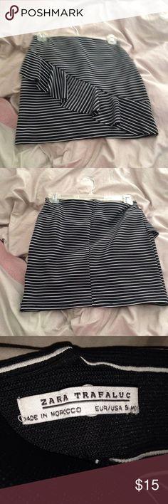 Zara skirt Like new. Only worn a few times. Zara Skirts Mini