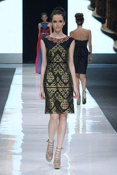 design by sebastian gunawan, indonesia Batik Kebaya, Kebaya Dress, Batik Dress, Jakarta Fashion Week, Batik Fashion, Women's Fashion, Thai Dress, Daily Dress, Simple Dresses