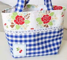 sew cherry bag - adapt to different colors  no pattern. use any tote pattern this is so cute must make one for my knitting