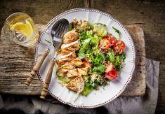 Σαλάτα με κοτόπουλο, κινόα και αβοκάντο   Η #1 συνταγή που τρώνε τα μοντέλα και όσοι ασκούνται για πρωτεΐνη και καλά λιπαρά - Missbloom.gr