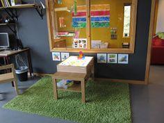 PEDAGOGISKA KULLERBYTTAN: Välkomnande Växthuset Classroom Layout, Toddler Classroom, Reggio, Light Table, Environment, Cabinet, Storage, Furniture, Kitchen Inspiration
