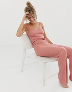 Browse online for the newest ASOS DESIGN mix & match lounge knitted rib flare pants Set styles. Shop easier with ASOS' multiple payments and return options (Ts&Cs apply). Lazy Day Outfits, Summer Outfits, Cute Outfits, Cute Lounge Outfits, Lounge Pants Outfit, Retro Outfits, School Outfits, Loungewear Outfits, Loungewear Set