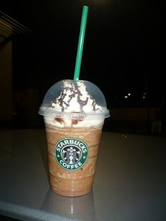 Make a Starbucks Java Chip Frappuccino Starbuck Java Chip Frappe Recipe - 4 tablespoons chocolate syrup plus extra for drizzle (optional) 4 tablespoons chocolate chunks 4 cups double-strength freshly brewed dark roast coffee. Java Chip Frappachino, Frappachino Recipe, Frappe Recipe, Starbucks Recipes, Starbucks Drinks, Coffee Recipes, Starbucks Coffee, Iced Coffee, Coffee Drinks