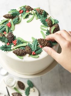 Our Ultimate Christmas Cake Christmas Cake Designs, Christmas Cake Decorations, Christmas Cupcakes, Holiday Cakes, Christmas Desserts, Christmas Treats, Fondant Christmas Cake, Chocolate Christmas Cake, Christmas Birthday Cake