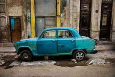 One of the common sights you'll see around Old Havana. Cars in Cuba get reused of parts over and over again as they have not been able to import them from the US for over 50 years! Color Photography, Film Photography, Street Photography, Nature Photography, Landscape Photography, Fashion Photography, Wedding Photography, Steve Mccurry, Japanese Haiku