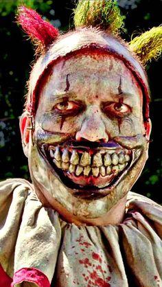 Twisty the Clown AHS American Horror Story Season 4 Freak Show phone tablets iPhone iPad Android wallpaper Background. Arte Horror, Horror Art, Horror Movies, Clown Horror, Creepy Circus, Creepy Clown, Maquillage Halloween, Halloween Makeup, American Horror Story