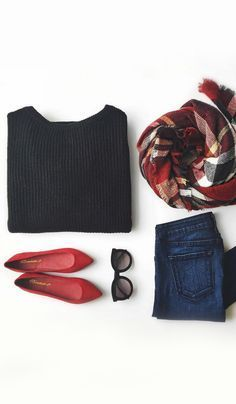 autumnal breath fall winter look fashion mood style in red and black red Moda Fashion, Star Fashion, Womens Fashion, Trendy Fashion, Color Fashion, Fashion 2016, Fashion Trends, Runway Fashion, High Fashion