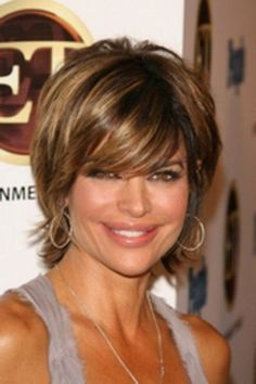 to get Lisa Rinna hairstyle and