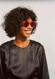 9390ed30d6 We Love Glasses - The first eyewear online destination for the hottest  eyewear news and a community catered to trend-setting eyewear lovers