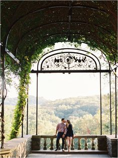 Perfect Nashville Engagement Session | Cheekwood and 12 South | Draper James | Engaged | Engagement Photos
