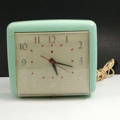Vintage 50s GE General Electric Red Dot 2H32 Kitchen Clock Blue Painted Green #GE