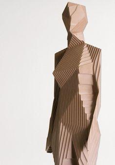 dvorets: Woman, Xavier Veilhan Sculptures réunissant volumes géométriques et lignes. Ombres et lumière intéressantes -