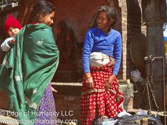 Two women and a child - Nepal