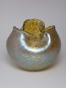 Loetz Art Nouveau gold papillon glass vase, circa 1900
