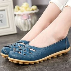 4eadf6b1b22738 Women s shoes Pig Leather Flat with Superstar Big size 34-44 Oxford shoes  women loafers