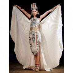 fashion Egyptian Fashion Show in Photos Egypt Fashion – Arab Girls . Ancient Egyptian Clothing, Ancient Egyptian Costume, Ancient Egypt Fashion, Egyptian Fashion, Egyptian Beauty, Egyptian Goddess Costume, Le Nil, Halloween Disfraces, Costume Dress