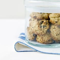 Good Old Rock Cakes - English - Recipes - from Delia Online Baking Recipes, Dog Food Recipes, Cake Recipes, Recipe For Children To Make, How To Make Cake, Food To Make, Rock Cakes, Sweet Buns, English Food