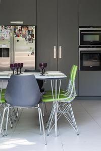 Hampstead - kitchen/table setting