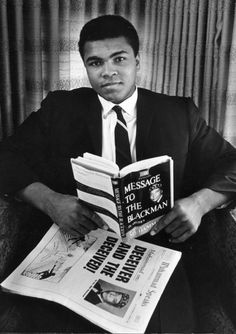 Cassius Clay soon to be Mohammed Ali, soon to be draft dodger.