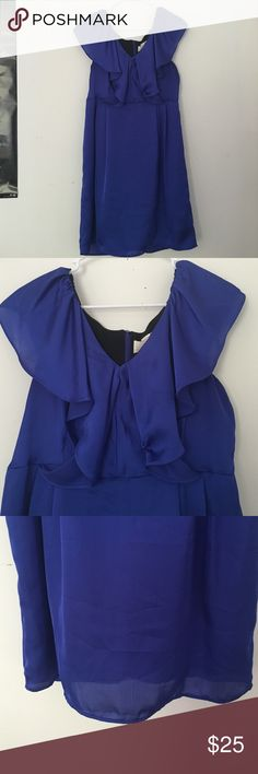 Navy Blue Dress Gorgeous navy blue dress. It has silk like material with a flowy chest area. The zipper is in the back of the dress. In perfect condition! Emma & Michele Dresses