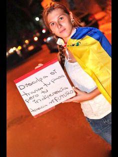 DISCULPA SI TRANCO TU PASO, PERO TU INDIFERENCIA TRANCA MI FUTURO  #QuieroUnaVenezuelaDonde pic.twitter.com/GsxHS2bzKJ