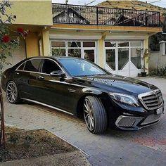 Who likes it ? Mercedes S Class, Mercedes Benz Cars, Merc Benz, Mercedez Benz, Rolls Royce Cars, Lux Cars, Top Luxury Cars, Benz S Class, Classic Mercedes