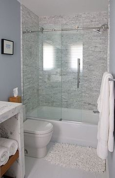 Whether it is teensy shower stall, powder room or a small bathroom, a not so functional washroom definitely can cramp your style. With creative small bathroom remodel ideas, even the tiniest washroom can be as comfortable as a lounge. Perfect-sized sink a Bathtub Shower Combo, Bathroom Tub Shower, Hall Bathroom, Bathroom Ideas, Master Bathroom, Bathtub Ideas, Bathroom Mirrors, Modern Bathroom, Budget Bathroom