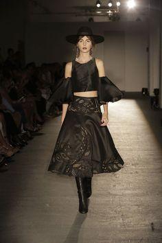 Imagen relacionada Goth, Ballet Skirt, Skirts, Style, Fashion, Goth Subculture, Gothic, Moda, La Mode