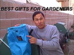Best Last Minute Holiday Gifts for Gardeners Last Minute Christmas Gifts, Holiday Gifts, Best Gifts For Gardeners, Home Improvement, Landscaping, Lunch Box, Gardening, Xmas Gifts, Lawn And Garden
