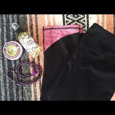 Fabletics Two Toned Yoga Capri Amazing yoga Capris by Fabletics! Pre-loved, but in good condition. There are a few small stitches that have come undone on one of the the outter leg seams. This would be a simple fix by a seamstress. Also there is a bit (but very minimal) pulling on the crotch. I cut the tag off because it was itchy, but I always wear a M/8 in Fabletics! Fabletics Pants Leggings