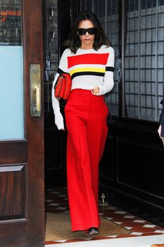 57 Ideas for style icons women inspiration outfits victoria beckham Victoria Beckham Outfits, Victoria Beckham Stil, Victoria Beckham Fashion, Victoria Beckham Collection, Look Fashion, Fashion Line, Fashion News, Fashion Design, Outfits Otoño