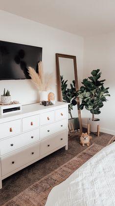 Room Ideas Bedroom, Home Bedroom, Bedroom Inspo, Simple Bedroom Decor, Ikea Boho Bedroom, Modern Bedroom, Mirror In Bedroom, Master Bedroom Furniture Ideas, Master Bedroom Decorating Ideas