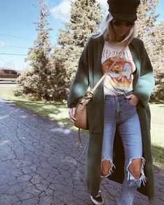 Untitled November 27 2019 at fashion-inspo Mode Outfits, Casual Outfits, Fashion Outfits, Fashion Trends, Band Tee Outfits, Fashion Ideas, Outfit Jeans, Casual Attire, Fashion Tips For Women