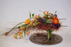 Ikebana Flower Arrangement, Flower Arrangements, Gregor Lersch, Cascade Design, Mechanical Design, Floral Designs, Home Deco, Weaving, Flowers